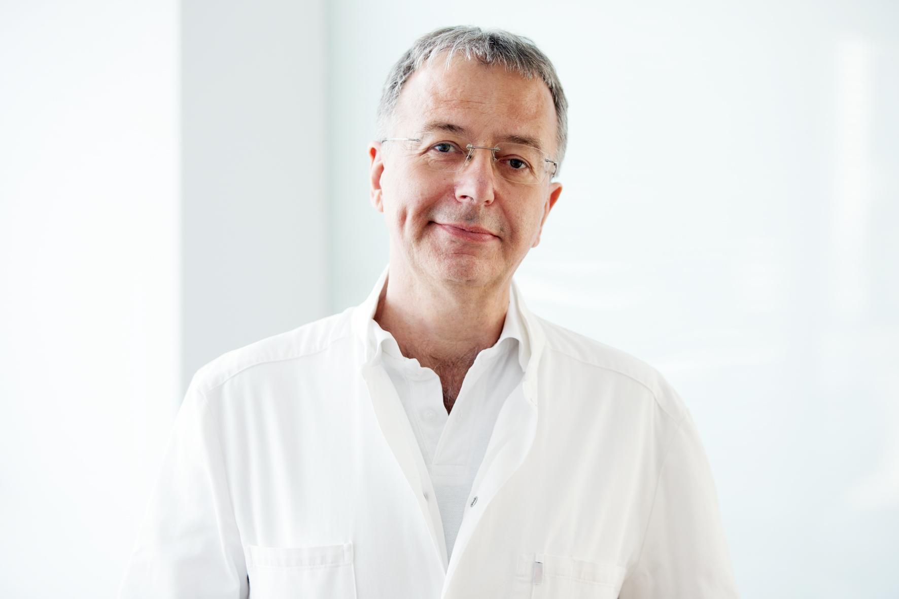 Dr.Rudolf Schäfer, Angestellter Arzt