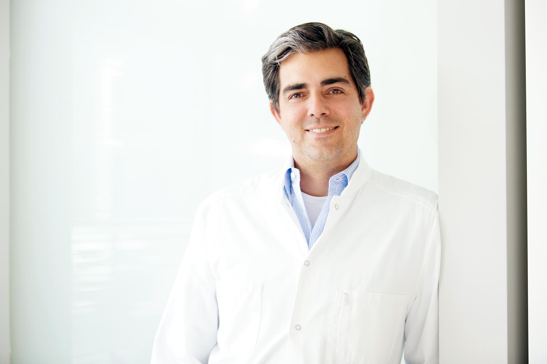 Dr. Oliver Abbushi (2)